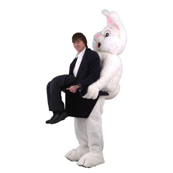 Complete konijn mascotte met man uit hoed